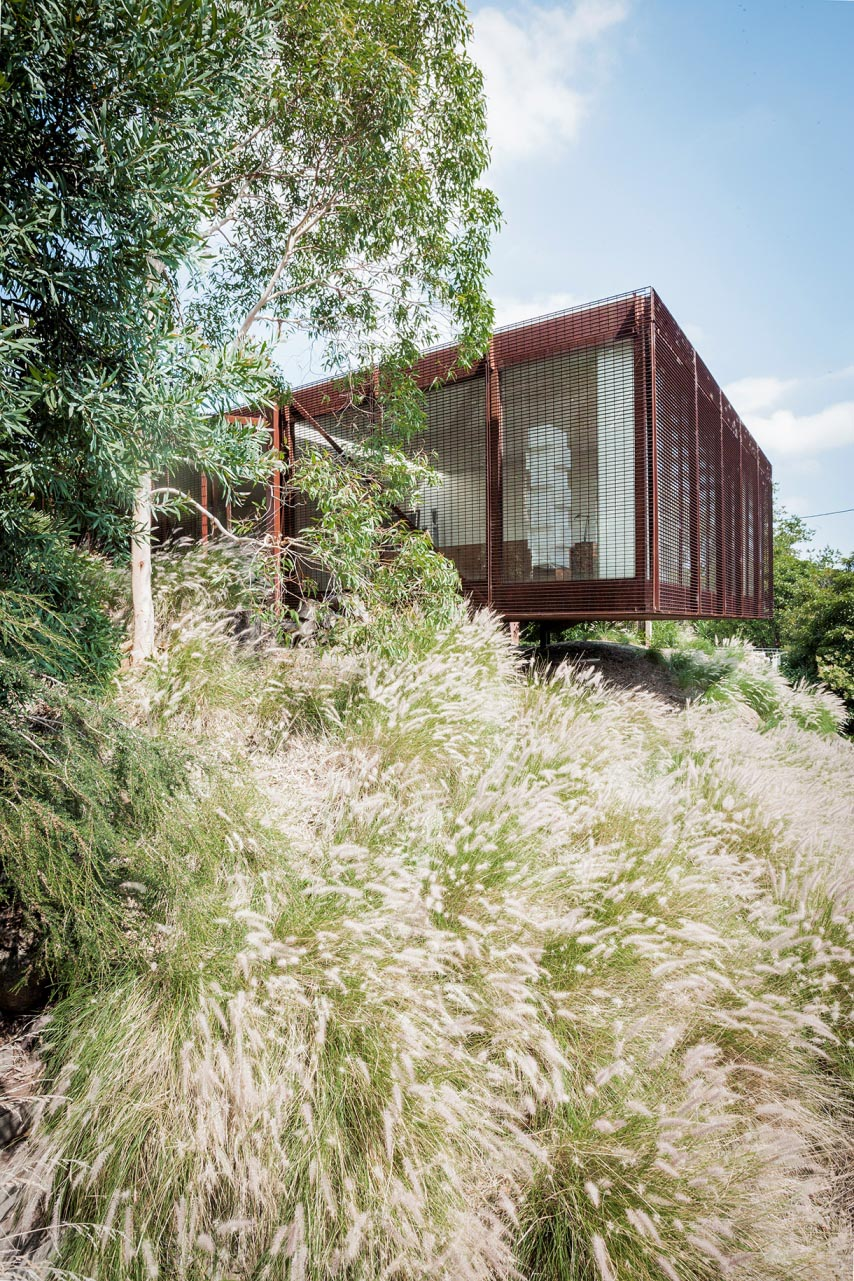 The Kew House in Victoria. Designed by Sean Godsell, shot by Michael Wee.