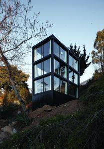 Arco-House_Pezo-von-Ellrichshausen_Cristobal-Palma_Image-01_Low-Res.jpg