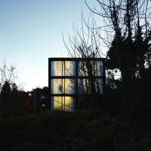 Arco-House_Pezo-von-Ellrichshausen_Cristobal-Palma_Image-02_Low-Res.jpg