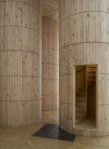 Blue-Pavilion-Royal-Academy-London_Pezo-von-Ellrichshausen_James-Harris_Image-02_Low-Res.jpg